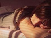 Bạn trẻ - Cuộc sống - Thiếu nữ phát trực tiếp cảnh lao vào xe tự sát sau khi bị cưỡng hiếp