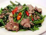 Ẩm thực - Thịt trâu xào rau muống mềm ngon, xanh giòn