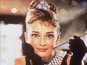 """Phim - Những món trang sức """"khủng"""" trong phim Hollywood"""