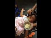 An ninh Xã hội - Bé gái 2 tuổi tử vong sau cái tát của người giữ trẻ