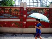 Tin tức Việt Nam - HN: Sợ quảng cáo rao vặt, cả ngõ góp tiền làm tường gốm