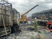 Tin tức trong ngày - Vụ cháy xe khách 12 người chết: Trắng đêm lấy mẫu ADN