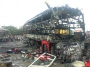 Tin tức trong ngày - Vụ cháy xe 12 người chết: Tìm được mẹ nhờ chuông điện thoại