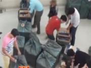 Thị trường - Tiêu dùng - Bắt vụ buôn lậu 80.000 bao thuốc lá giữa Thủ đô