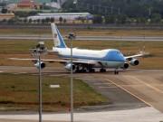 Tin tức trong ngày - Clip: Chuyên cơ chở ông Obama xuống Tân Sơn Nhất trong mưa
