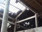 Tin tức trong ngày - Thót tim tảng đá 10 tấn rơi xuống nhà dân