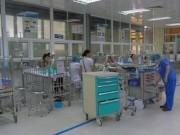Tin tức trong ngày - Con ốm, cậy nhà gần bệnh viện xông vào hành hung bác sĩ