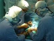 Sức khỏe đời sống - Tạm đình chỉ công tác bác sỹ để quên gạc trong chân bệnh nhân