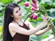 Bạn trẻ - Cuộc sống - Hot girl Khánh Chi đẹp nõn nà trong tà yếm nâu