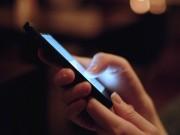 """Công nghệ thông tin - Ánh sáng xanh từ màn hình smartphone có thể gây """"đại dịch"""""""