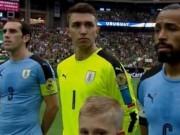 Bóng đá - Copa America: Sự cố hy hữu khiến Suarez ngớ người
