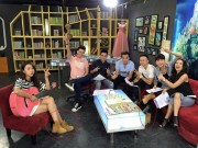 Bạn trẻ - Cuộc sống - B Trần bất ngờ đi giày đôi với Quỳnh Anh Shyn