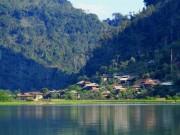 """Du lịch - Về làng """"ngủ bụi"""" bên hồ Ba Bể"""