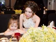 Bạn trẻ - Cuộc sống - Elly Trần tổ chức sinh nhật sớm cho con gái yêu