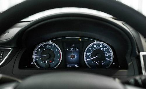 Toyota công bố Camry 2017 nhiều tính năng, giá không đổi - 5