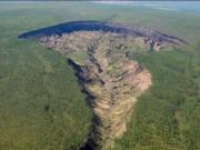 """Phi thường - kỳ quặc - Bí mật trong """"cổng địa ngục"""" ở Siberia"""