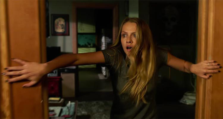 """""""Lights Out"""" tung trailer kinh dị hơn cả """"The Conjuring 2"""" - 3"""