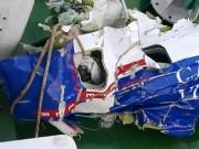 Tin tức trong ngày - Vớt được một số mảnh vỡ của máy bay CASA-212 gặp nạn