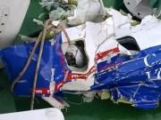 Tin tức trong ngày - Đưa mảnh vỡ máy bay CASA-212 về đất liền