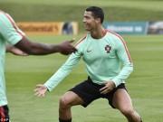 """Bóng đá - Hết bực bội, Ronaldo chờ """"thông nòng"""" ở Euro"""
