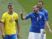 Bóng đá - Khiêu khích trong trận, Ibrahimovic suýt tẩn Chiellini