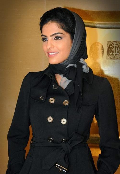 Vẻ đẹp nghiêng thành của vợ cũ Hoàng tử giàu nhất Ả Rập - 10