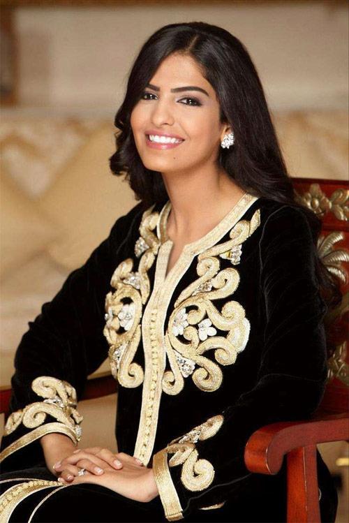 Vẻ đẹp nghiêng thành của vợ cũ Hoàng tử giàu nhất Ả Rập - 9