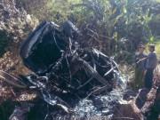 Tin tức trong ngày - Xe ô tô đâm vào núi phát nổ, 5 người bị thương