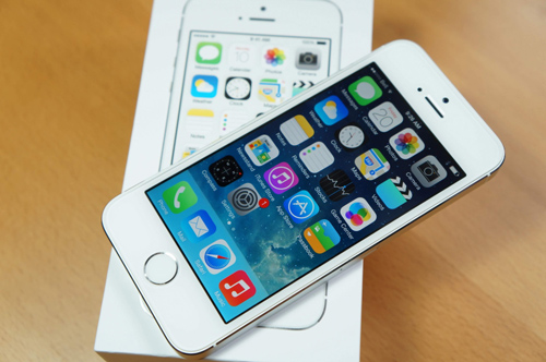 iPhone SE bất ngờ cháy hàng tại Apple Store
