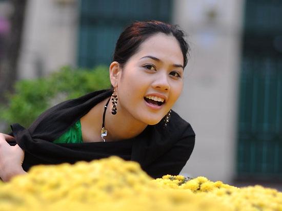 Dàn hoa hậu, hoa khôi làm báo hot nhất showbiz Việt - 9
