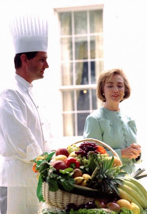 Vì sao bà Clinton mỗi ngày ăn một quả ớt? - 3