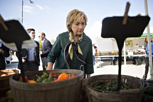 Vì sao bà Clinton mỗi ngày ăn một quả ớt? - 1