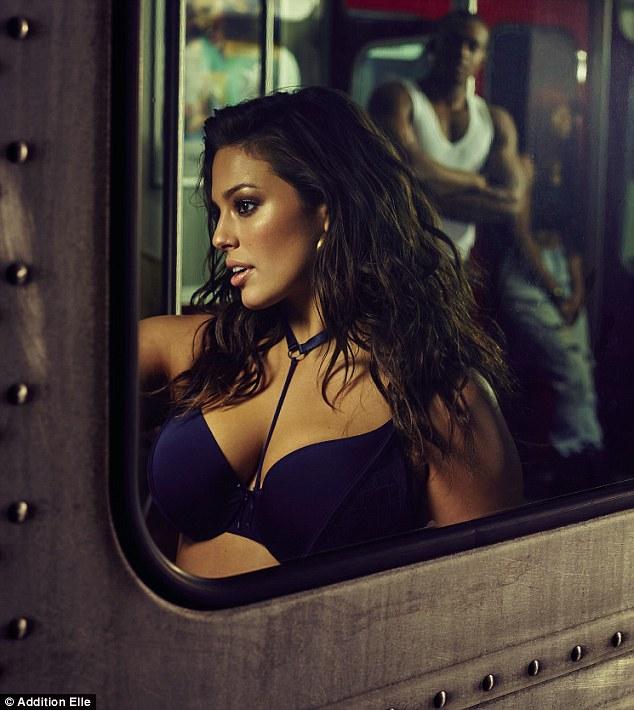 Mẫu béo Mỹ mặc nội y gợi cảm trên tàu điện ngầm - 5