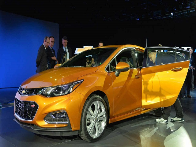Chevrolet Cruze Hatchback 2017 sắp lên kệ, giá phải chăng