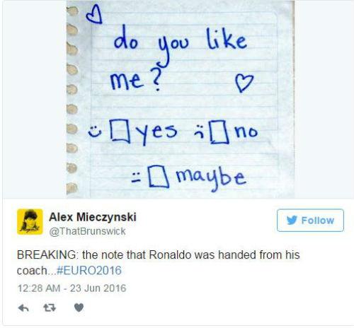 """Mảnh giấy bí ẩn từ HLV sau """"cơn điên"""" của Ronaldo - 8"""