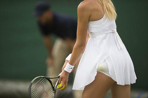 """Wimbledon gợi cảm: Váy áo nữ """"có như không"""""""
