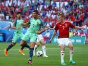 """Bóng đá - Mảnh giấy bí ẩn từ HLV sau """"cơn điên"""" của Ronaldo"""