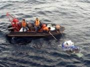 Tin tức trong ngày - Tìm thấy một thi thể ở vị trí máy bay CASA gặp nạn