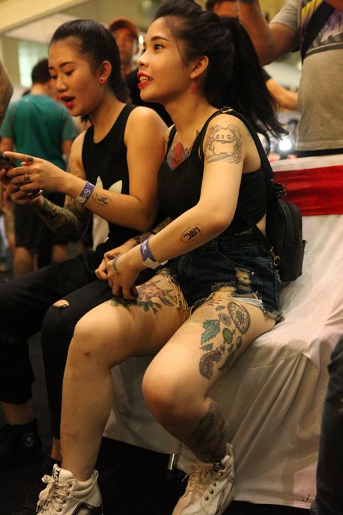 Soóc ngắn sexy ngập tràn lễ hội xăm mình ở Hà Nội - 6