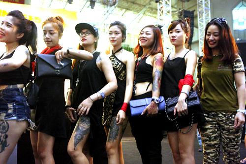 Soóc ngắn sexy ngập tràn lễ hội xăm mình ở Hà Nội - 3