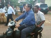 Thế giới - TT Campuchia bị phạt vì đi xe máy không đội mũ bảo hiểm