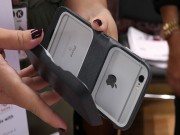 Công nghệ thông tin - Vỏ bảo vệ kiêm bộ nhớ mở rộng, sạc dự phòng cho iPhone