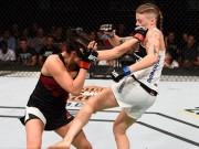 Thể thao - Đả nữ UFC bị đánh bại vì… tuột áo nịt ngực