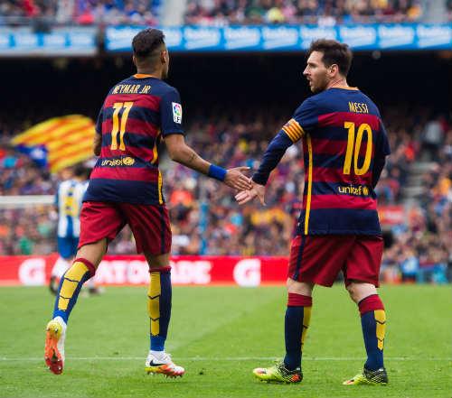 """Barca có biến: Neymar """"chiến tranh lạnh"""" với Messi"""
