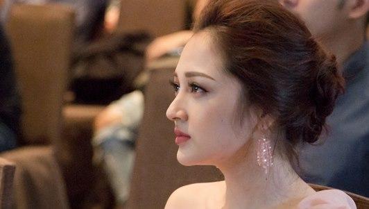"""Bảo Anh """"khóc hết nước mắt"""" vì MV về người thứ ba"""