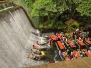 Du lịch - Nhà hàng nằm ngay dưới thác nước đổ ở Philippines