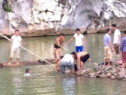 Tin tức trong ngày - Tắm sông Kỳ Cùng, 4 nữ sinh đuối nước thương tâm