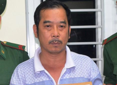 Đóng giả khách du lịch mang 4 bánh heroin từ Lào về VN