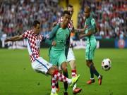 """Bóng đá - Ronaldo """"tàng hình"""", bị chê kém cả đàn em 18 tuổi"""