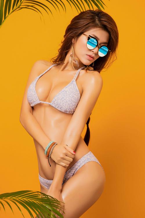 """Hoa hậu """"thi chui"""" Oanh Yến quá nóng bỏng với bikini - 2"""